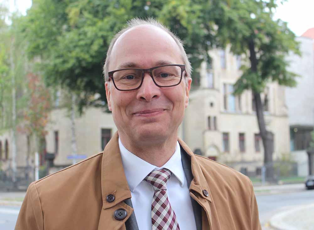 Jörg Süptitz ist bei Vodafone für Großkunden und die Wohnungswirtschaft zuständig.. Foto: Heiko Weckbrodt