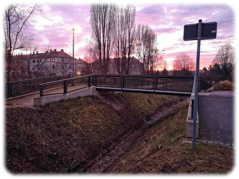 Der Blasewitz-Grunaer Landgraben am Kleinhausweg in Dresden-Gruna. Hier sehen die Fachleute vom Umweltamt im Flutfall einiges Überschwemmungsrisiko.  Foto: Heiko Weckbrodt