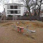 Federwippe auf dem Spielplatz an der Draesekestraße in Blasewitz. Foto: Heiko Weckbrodt