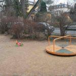 Karussell auf dem Spielplatz an der Draesekestraße in Blasewitz. Foto: Heiko Weckbrodt