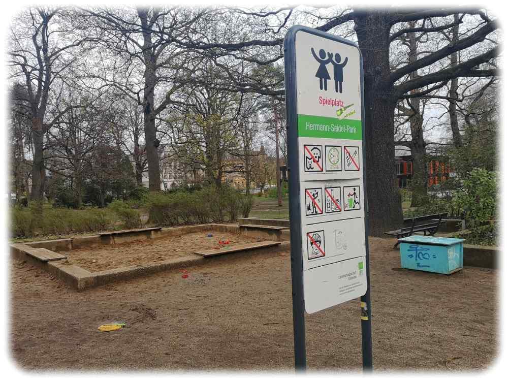 Der Sandkasten bleibt. Aufnahme von Spieplatz im Hermann-Seidel-Park kurz vor dem Umbau. Foto. Heiko Weckbrodt
